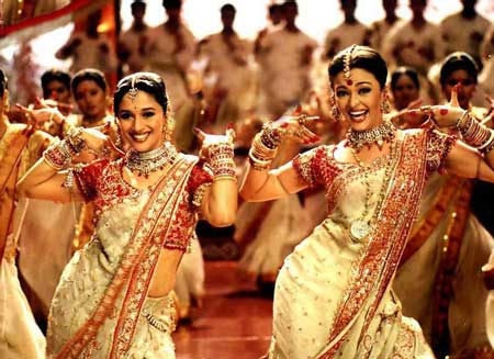 Aishwarya Rai and Madhuri Dixit in Devdas